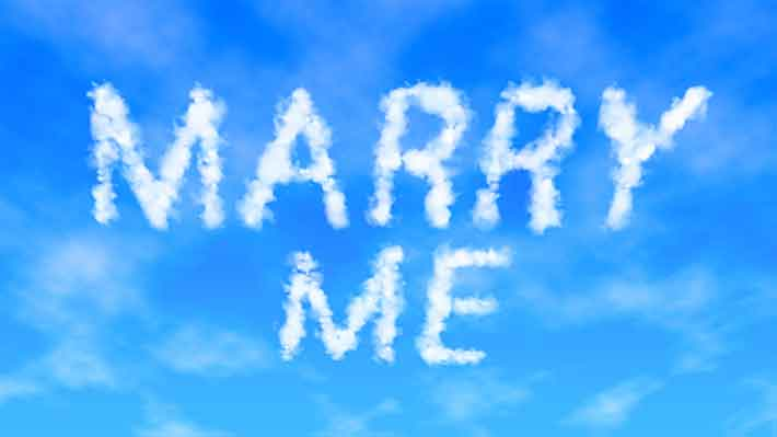 Marry me written in the sky